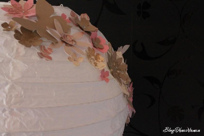 diy-papierlampe-mit-stempeln-und-stanzteilen-aus-papier-dekorieren-2