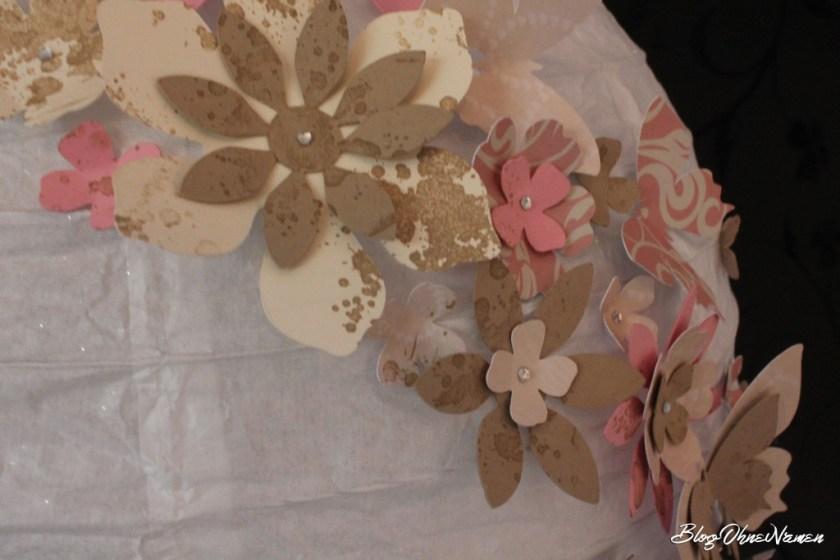 diy-papierlampe-mit-stempeln-und-stanzteilen-aus-papier-dekorieren-3