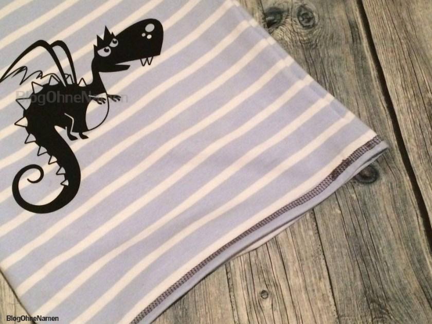 Raglan Shirt von Klimperklein - Gecovert mit der Janome CoverPro 2000 CPX