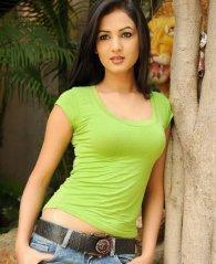 Sonal-Chauhan-Tight-Green-Top-Denim-Jeans (1)