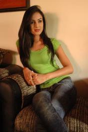 Sonal-Chauhan-Tight-Green-Top-Denim-Jeans (106)