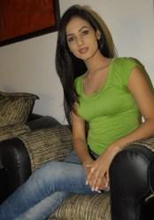 Sonal-Chauhan-Tight-Green-Top-Denim-Jeans (36)
