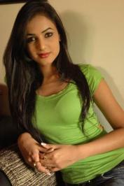 Sonal-Chauhan-Tight-Green-Top-Denim-Jeans (72)