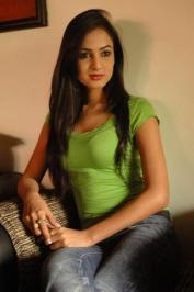 Sonal-Chauhan-Tight-Green-Top-Denim-Jeans (85)