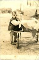 Το μωρό με το καρότσι