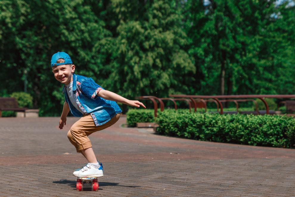 skateboarden skateboard