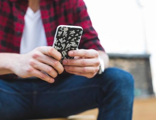Oplossing voor mensen die geen dure smartphone willen Een telefoonhoesje? Waarom zou je?