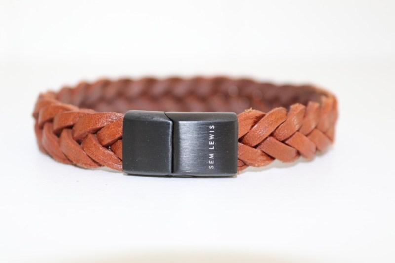 Een armband voor mannen: stoer of meisjesachtig?