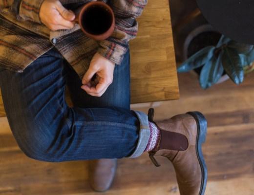 Een Nederlander drinkt gemiddeld vier koppen koffie per dag. Duur, maar toch kun je wel degelijk goedkope koffie kopen. Lees onze tips