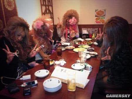 日本女孩現在流行「無臉照」