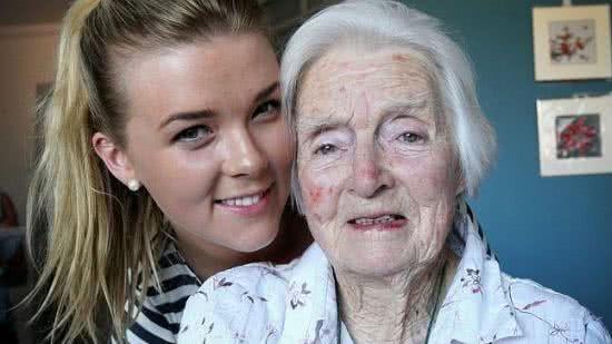 澳洲94歲老太太馬喬莉與孫女艾蓮娜
