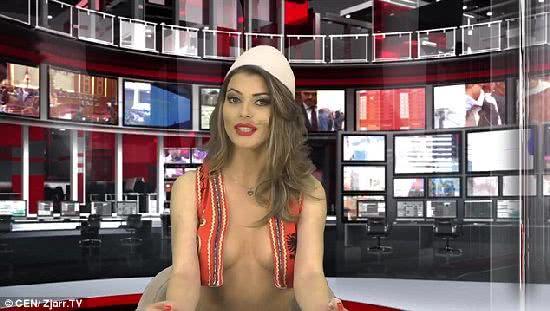 阿爾巴尼亞女主播霍莎露半球報新聞