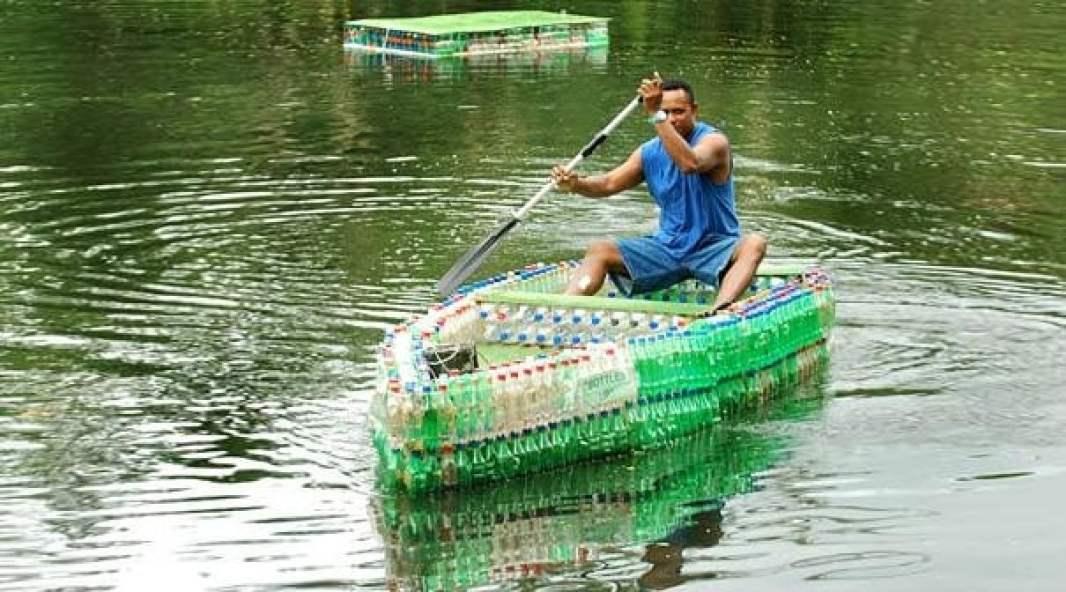 perahu botol bekas
