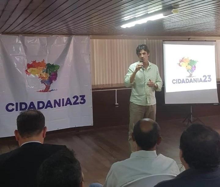 Daniel Coelho reúne dirigentes municipais do Cidadania