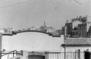 Vue de notre Dame de la Garde, depuis la place Sainte-Eugène côté Samatan