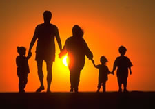 five-family-silhouette-sunset