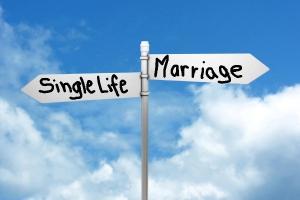 2012-11-08-single-life-vs-marriage.jpg