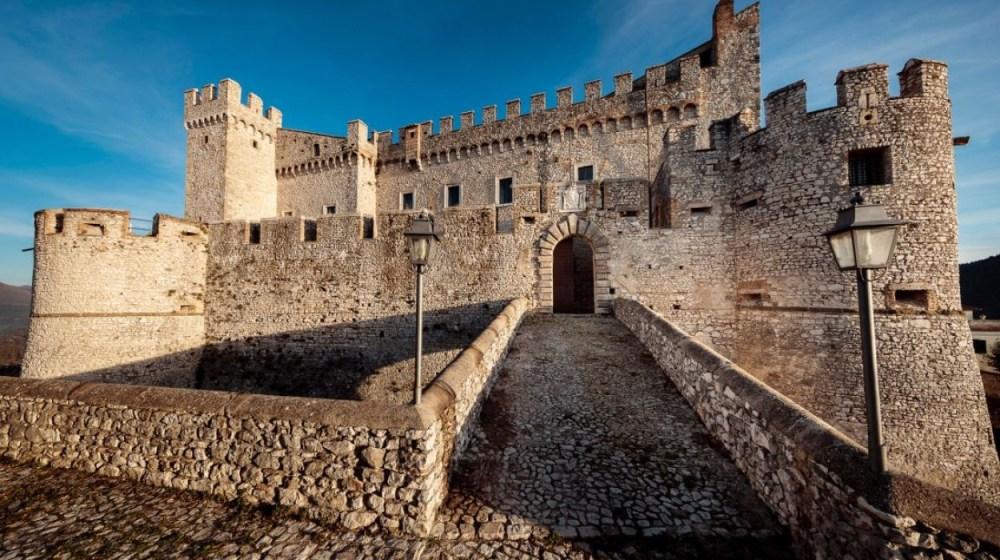 castello-orsini-hotel-nerola_1000_560_150_1482933572.jpg