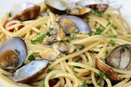 spaghetti-alle-vongole-preparazione-finale
