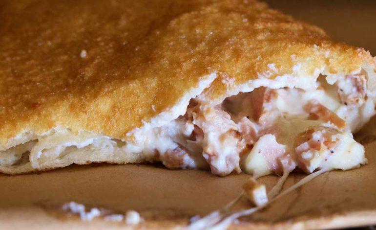 Antica-Pizza-Fritta-da-Esterina-Sorbillo-16-770x470.jpg