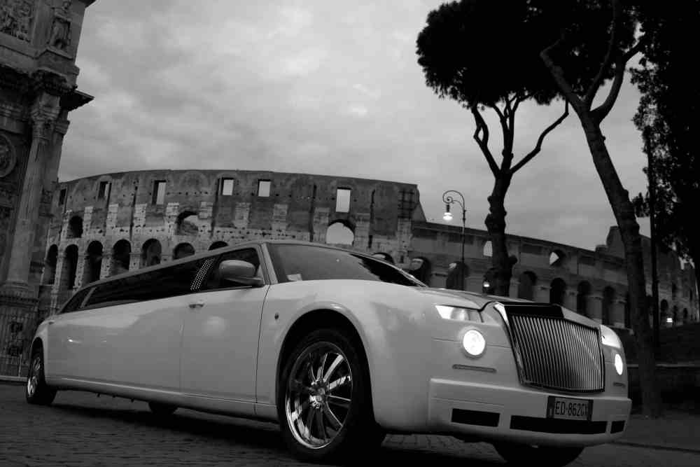 chrysler-300c-limousine-roma.jpg