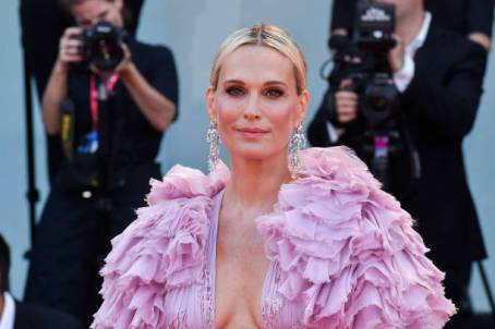 "VENICE, ITALY - AUGUST 29: Molly Sims walks the red carpet ahead of the ""Marriage Story"" screening during the 76th Venice Film Festival at Sala Grande on August 29, 2019 in Venice, Italy. (Photo by Stephane Cardinale - Corbis/Corbis via Getty Images)"