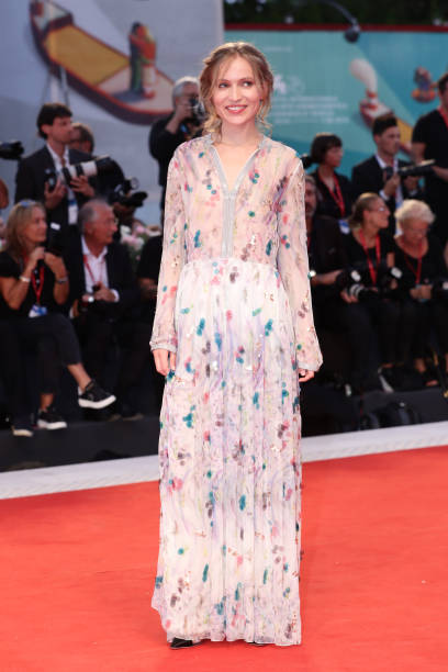 """VENICE, ITALY - SEPTEMBER 02: Jessica Cressy walks the red carpet ahead of the """"Martin Eden"""" screening during the 76th Venice Film Festival at Sala Grande on September 02, 2019 in Venice, Italy. (Photo by Vittorio Zunino Celotto/Getty Images)"""