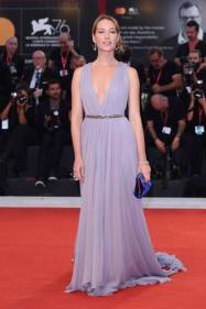 """VENICE, ITALY - SEPTEMBER 02: Cristiana Capotondi walks the red carpet ahead of the """"Martin Eden"""" screening during the 76th Venice Film Festival at Sala Grande on September 02, 2019 in Venice, Italy. (Photo by Stefania D'Alessandro/WireImage,)"""
