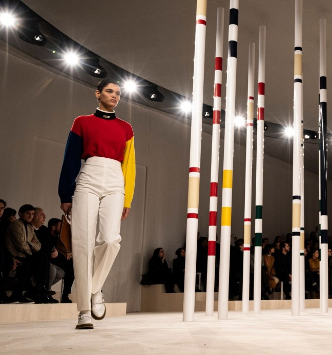 PARIS, FRANCE - FEBRUARY 29: (EDITORIAL USE ONLY) A model walks the runway during the Hermes as part of the Paris Fashion Week Womenswear Fall/Winter 2020/2021 on February 29, 2020 in Paris, France. (Photo by Peter White/Getty Images)