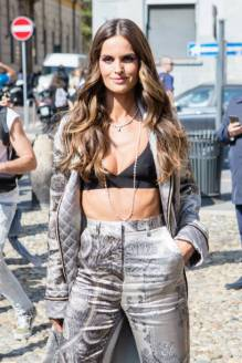 Izabel Goulart seen outside the Sportmax show during Milan Fashion Week Spring/Summer 2020 on September 20, 2019 in Milan, Italy. (Photo by Mairo Cinquetti/NurPhoto via Getty Images)