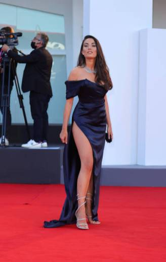 Giulia Valentina poses on the red carpet during the 77th Venice Film Festival on September 02, 2020 in Venice, Italy. (Photo by Matteo Chinellato/NurPhoto via Getty Images)