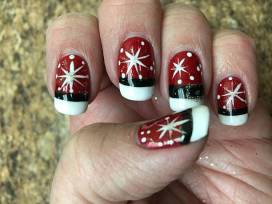 Nails that are naughty and nice... Santa Claws