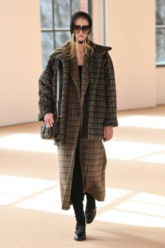 MILAN, ITALY - FEBRUARY 25: Look 30 at the Max Mara Fall/Winter 2021-2022 show during Milan Fashion Week on February 25, 2021 in Milano, Italy. (Photo by Daniele Venturelli/Daniele Venturelli/ Getty Images for Max Mara)