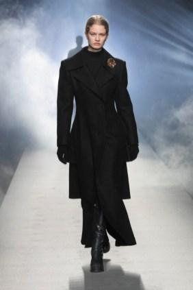 milano-fashion-week-moda-milano-sfilate-moda-sfilate-milano-alberta-ferretti-09-milano-fashion-week-moda-milano-sfilate-moda-sfilate-milano-alberta-ferretti-640x960
