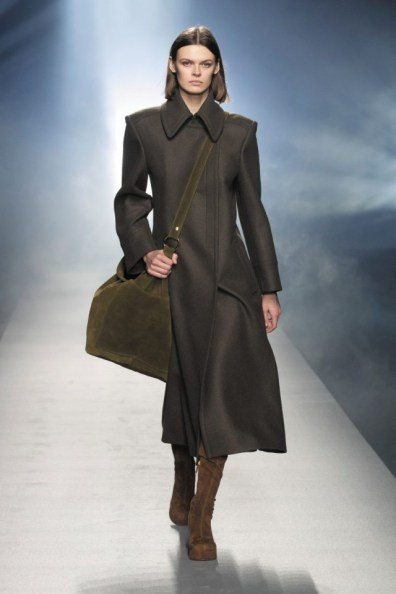 milano-fashion-week-moda-milano-sfilate-moda-sfilate-milano-alberta-ferretti-12-milano-fashion-week-moda-milano-sfilate-moda-sfilate-milano-alberta-ferretti-640x960