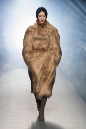milano-fashion-week-moda-milano-sfilate-moda-sfilate-milano-alberta-ferretti-16-milano-fashion-week-moda-milano-sfilate-moda-sfilate-milano-alberta-ferretti-640x960