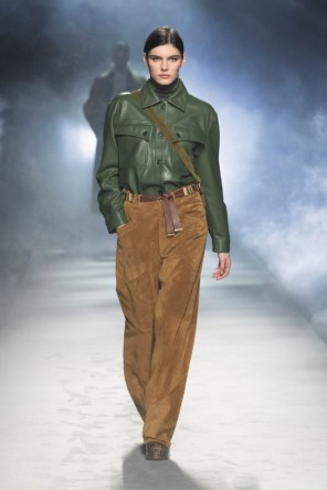 milano-fashion-week-moda-milano-sfilate-moda-sfilate-milano-alberta-ferretti-19-milano-fashion-week-moda-milano-sfilate-moda-sfilate-milano-alberta-ferretti-640x960