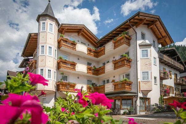 Hotel Siror di Taufer Bruna in vacanza nelle montagne del Trentino