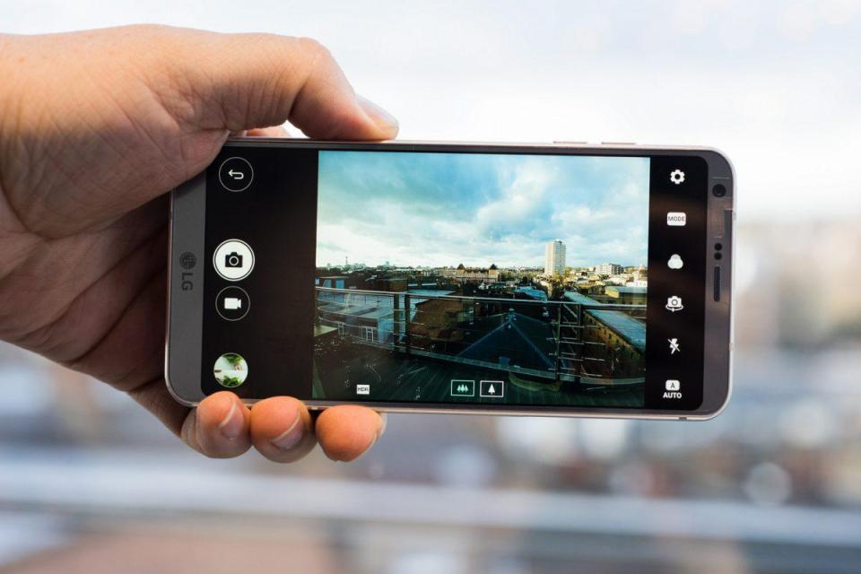 LG G6 Hands On Review - Mobile Tech 360