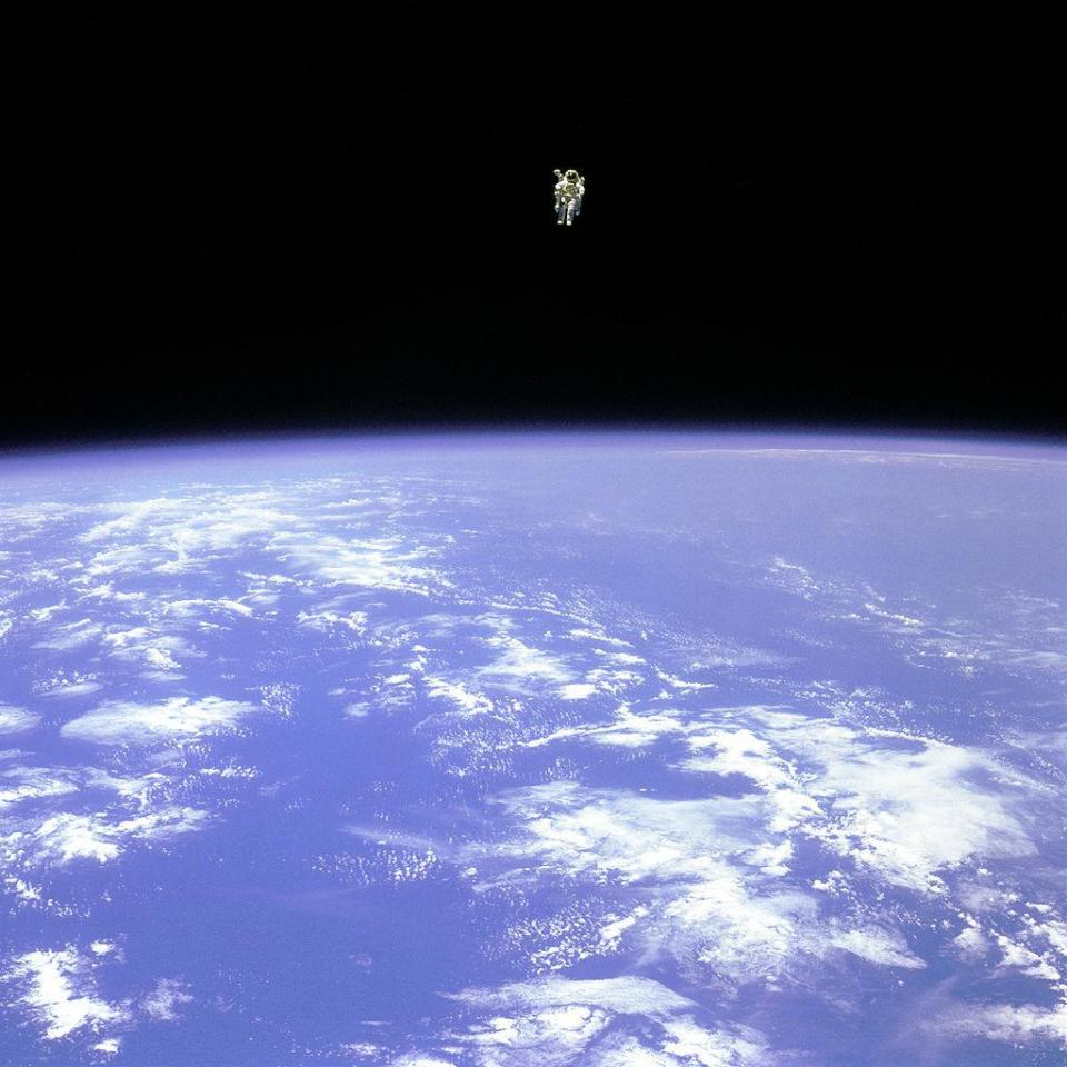 The longest untethered spacewalk ever, by NASA astronaut Bruce McCandless, aboard STS-41-B. Image credit: NASA.