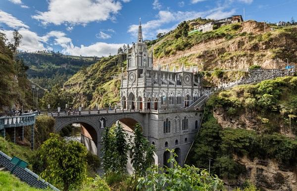 Santuario-de-Las-Lajas-Colombia