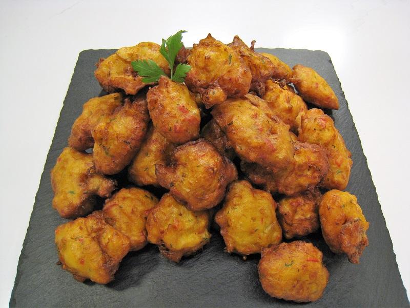 Buñuelos de bacalao con pimientos