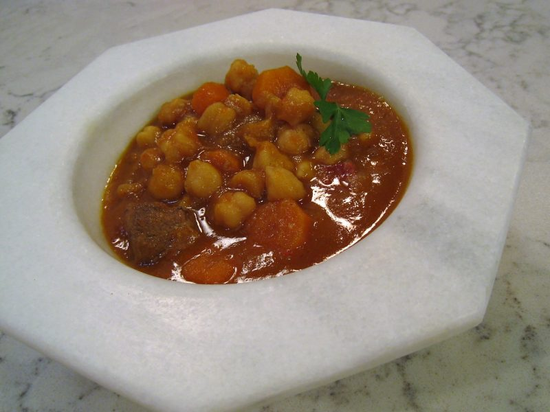 Carrilleras guisadas con garbanzos