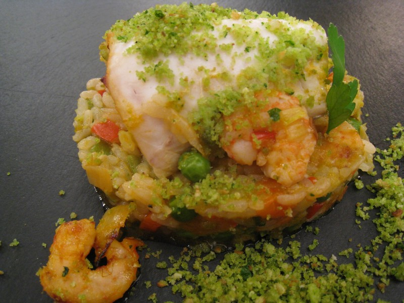 Merluza crujiente con arroz