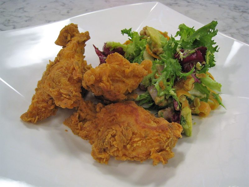 Pollo Frito con Ensalada
