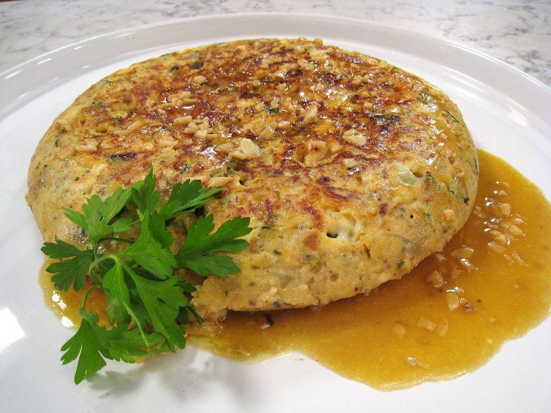 Tortilla de calabacín, pollo y queso