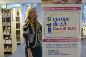 Jana Kiskalt standing next to the Cardiff EDC banner.