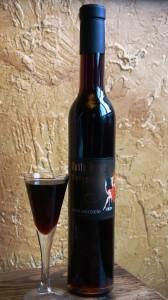 Rusty Grape Vineyards 2010 Vino de Ciocolotto is the perfect pairing of wine and chocolate. Viki Eierdam