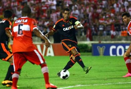 Sport perde na reestreia de Diego Souza(foto: Diário de Pernambuco)