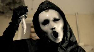 scream-mtv-kevin-williamson-slasher-wes-craven-critiques-cinema-pel·licules-pelis-films-series-els-bastards-critica